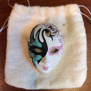 Jewelry - Pin- theatre style mask